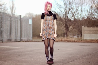 kayla hadlington blogger dress socks tartan drmartens cardigan dress over t-shirt mini dress short dress fall outfits tartan dress plaid dress plaid t-shirt black t-shirt red boots red shoes slip dress