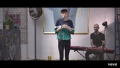 top,troye sivan,t-shirt,stripes,youth acoustic,green,blue,white