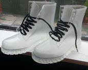clear,clear boots,plastic,plastic shoes,DrMartens,soft grunge,grunge shoes,grunge accessory,timberland,shoes,clear pretty new hot,white,see through,transparent,transparents,needtohave,boots,transparent shoes