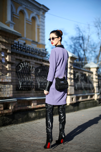 tina sizonova blogger purple vinyl louboutin dress bag shoes