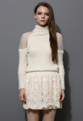 sweater,fluffy,ivory,polo neck