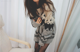 aztec shirt sweater black cream charcoal oversized sweater grey sweater black and tribal jumpsuit cardigan white grey wool clothes girl style cute sweaters skinny legs legs winter sweater autumn/winter grunge cutie fall outfits warm cozy jumper warm sweater