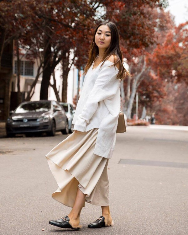 sweater tumblr white sweater skirt maxi skirt shoes mules gucci gucci shoes