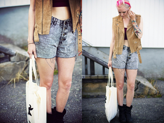 t-shirt jacket shorts elenita