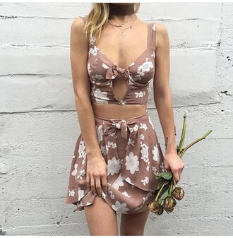 skirt two piece dress set two-piece cute top cute outfits crop tops top outfit outfit idea summer outfits spring outfits date outfit party outfits clothes style stylish mini skirt skater skirt floral skirt high waisted skirt circle skirt floral tank top floral cut-out cut out crop top