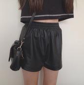 shorts,leather,cool,peng,tumblr,indie,tropical,modern,jeans,denim,leather shorts,black,shirt,bag,girl,fashion,t-shirt
