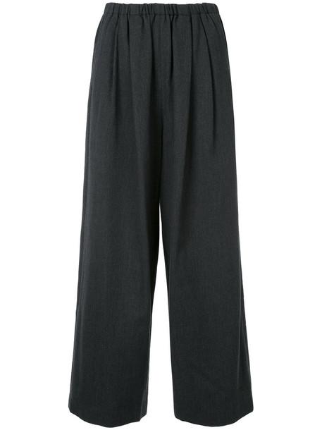 cropped women grey pants