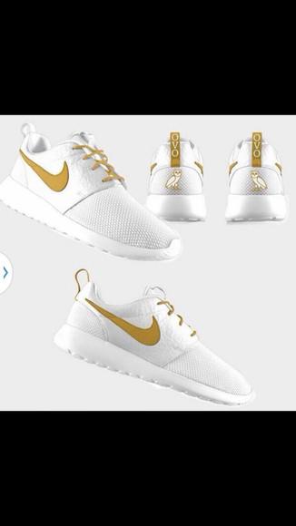 shoes white nike sneakers gold white shoes nike running shoes shoees roshe runs yellow drake