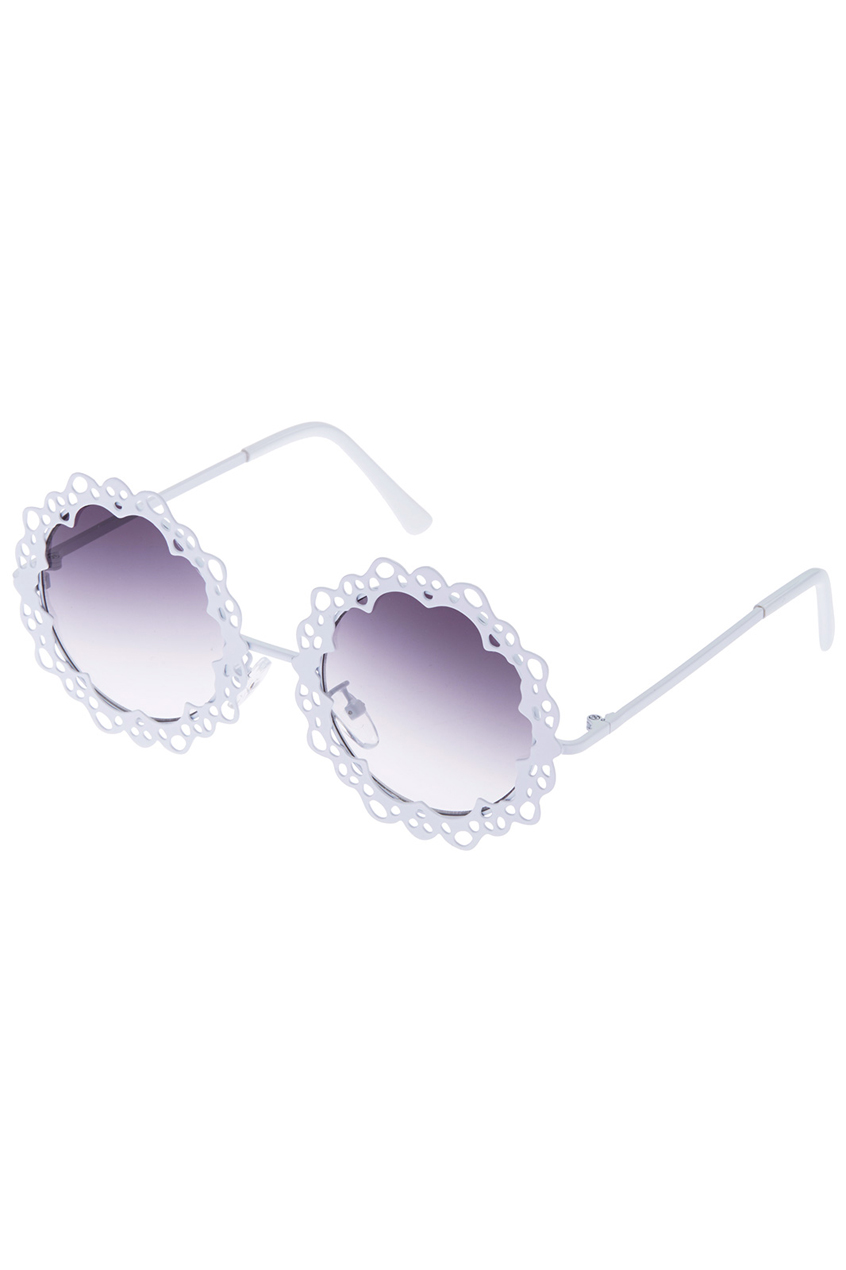 ROMWE | ROMWE White Floral Hollow Out Frame Sunglasses, The Latest Street Fashion