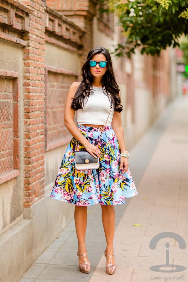 crimenes de la moda skirt top sunglasses bag shoes