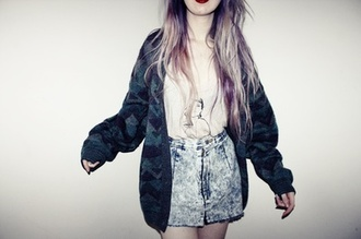 shorts indie grunge clothes jacket cardigan oversized cardigan high waisted shorts shirt cool soft grunge goth cute goth pastel goth cute dark hipster sweater hair dye knitted cardigan winter sweater coat t-shirt pale pale grunge alternative white t-shirt white tribal pattern tribal cardigan long sleeves long cardigan grunge jacket denim skirt denim skirt top vintage oversized aztec sweater aztec