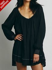 dress,black,long sleeves,loose,criss cross