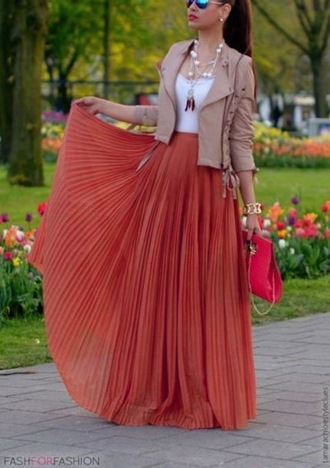 skirt maxi skirt jacket leather leather jacket maxi top tan khaki white girly jewelry clutch handbag bag purse accessories sunglasses tank top white lace tank top pleated skirt pleated maxi long skirt flowy fashion summer outfits spring spring outfits look lookbook jewels