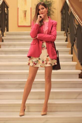 marilyn'scloset blogger jacket skirt blouse shoes bag jewels blazer pink jacket pumps high heel pumps floral skirt spring outfits