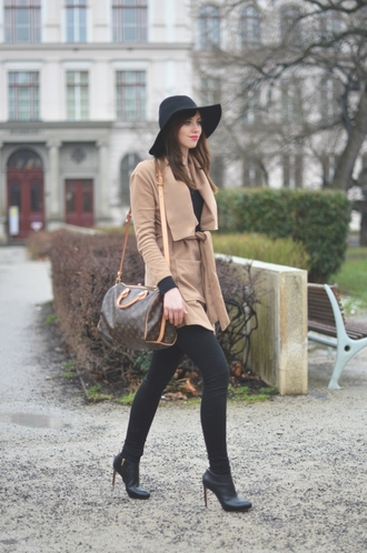 vogue haus blogger camel coat floppy hat louis vuitton bag coat sweater jeans shoes bag jewels