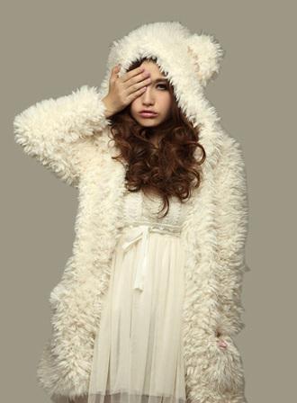 jacket foururure fourrure white veste fur vest