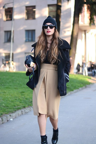 stella wants to die blogger culottes black jacket beige black boots