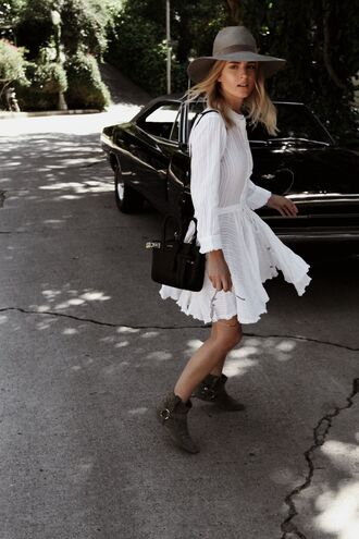 dress hat mini dress white dress long sleeves long sleeve dress shirt dress boots ankle boots bag black bag sun hat spring outfits spring dress le fashion image blogger shoes