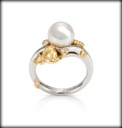 Pearl little mermaid ring on the hunt