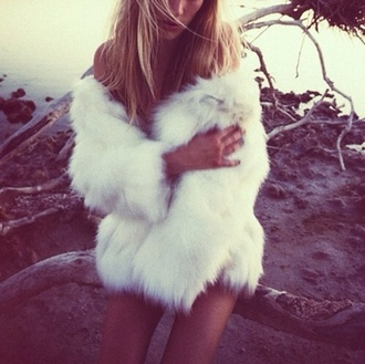 jacket fur feathers