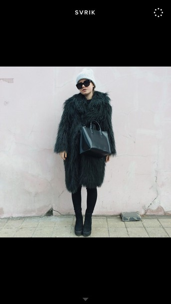 bag black bag purse fur coat tumblr outfit tumblr girl tumblr clothes dope all black everything coat accessories