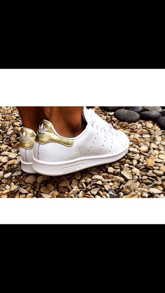 beautiful white stan smith gold snake leather want want want! please help me!