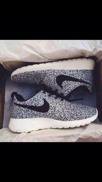nike sneakers nike roshe run women roshe runs black speckled black and white shoes nike nike running shoes