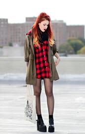 le happy,blogger,jacket,tights,khaki,lumberjack,tote bag,grunge,shirt,shoes