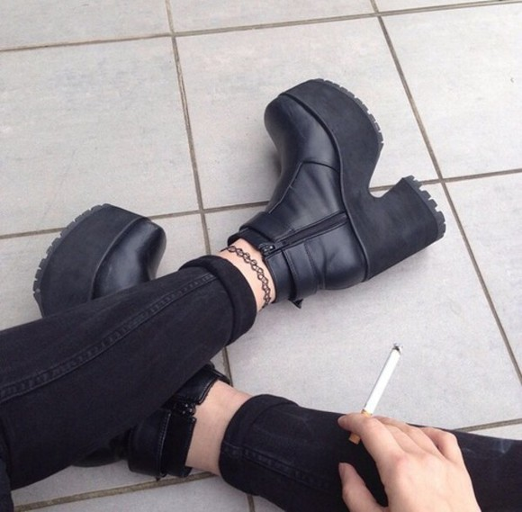 boots 90s style goth punk tattoo cigarette shoes grunge winter outfits vagabond