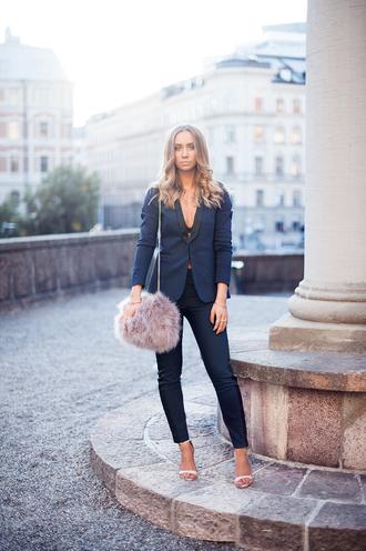 lisa olsson bag blogger