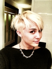 sweater,hair,miley cyrus,jewels
