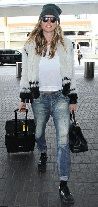 coat fur fur coat jeans boyfriend jeans behati prinsloo sunglasses beanie