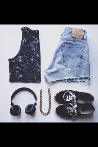 tank top vans shorts acid wash