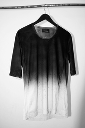 t-shirt,black and white,shirt,black/white.,tie dye,black,white,fade,3/4 sleeves,sunglasses,rayban