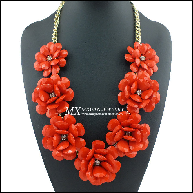 Min order 10$ (can mix order)2013 Influx of Women Temperament Roses flowers mixed Resin JC Statement Big Necklace NK003-in Choker Necklaces from Jewelry on Aliexpress.com