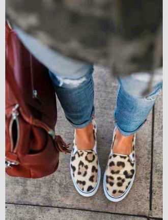 shoes sneakers slips ons leopard print slip on shoes printed slippers vintage style boho cool funny swag jeans indie boho indie grunge red bag cheetah print shoes bag