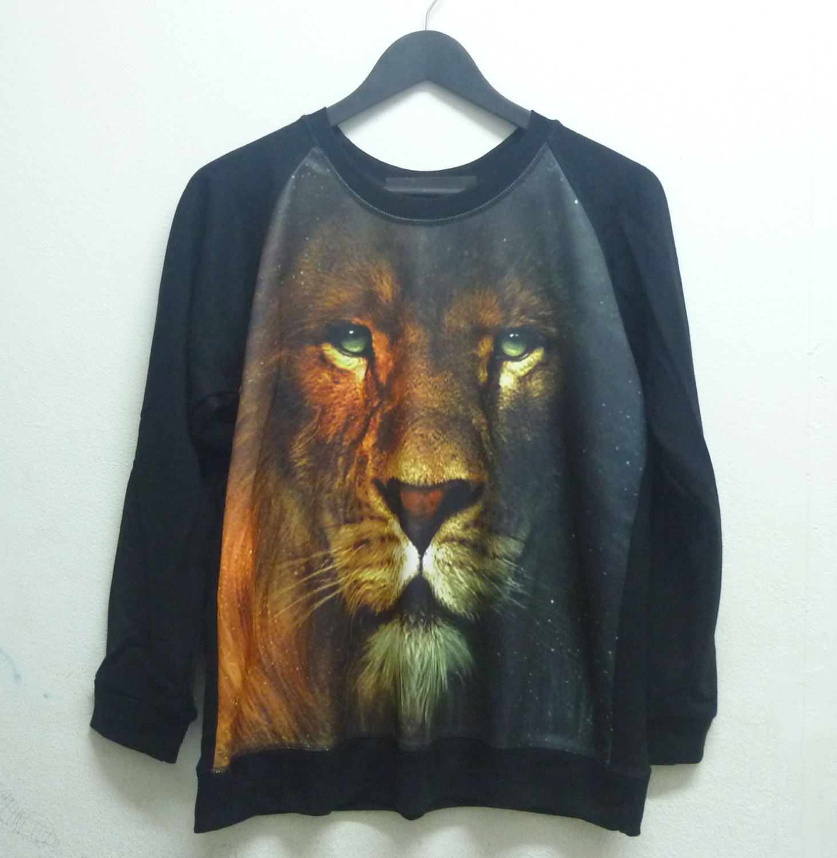 Sweater narnia movie lion sweatshirt size m/ l one size long sleeve/ crew neck/ jumper aslan narnia movie sweater animal winter cold