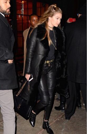 pants top leather leather jacket gigi hadid all black everything fall outfits ankle boots coat jewels necklace black choker necklace black choker model model off-duty black shearling jacket
