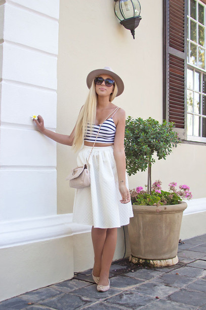 superficial girls blogger skirt bag top hat