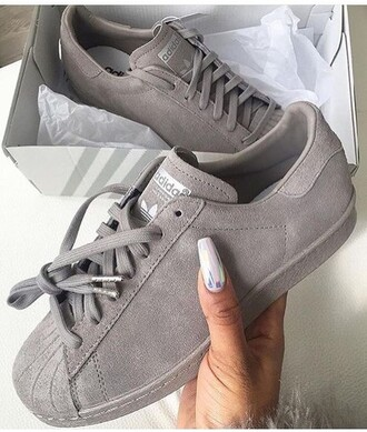 shoes cute sneakers suede sneakers adidas adidas shoes girly girly outfits tumblr tumblr grey winter outfits love need  help need these shoes ! trendy winter look tomboy cute shoes fashion dress glamour edgy me outfit cute outfits tumblr outfit jewelry spring spring outfits style stylish beautiful