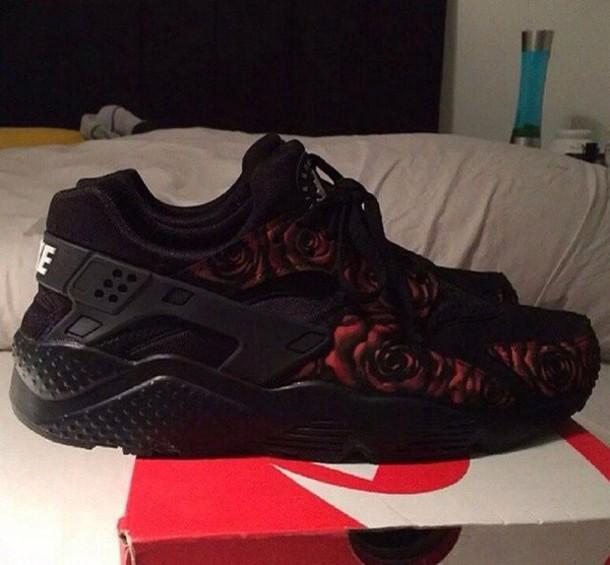 shoes black nike roses red huarache nike sneakers