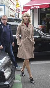 coat,dress,trench coat,taylor swift,sandals