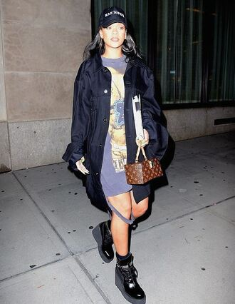 dress tunic oversized t-shirt jacket boots rihanna cap fall outfits streetstyle celebrity shoes