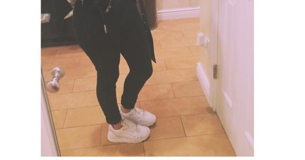 shoes white shoes kotd black jeans