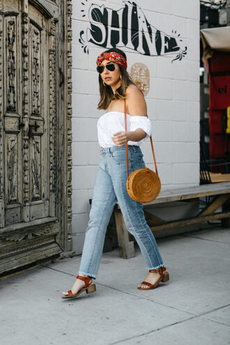 jaclynmittman blogger top jeans sunglasses bag jewels shoes