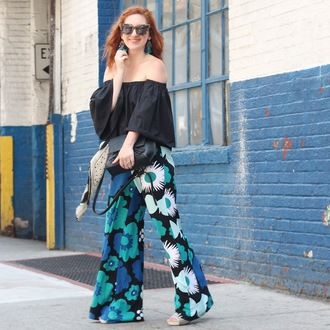 tf diaries blogger jewels bag shoes off the shoulder long sleeves wide-leg pants floral black bag floral pants printed pants off the shoulder top tortoise shell tortoise shell sunglasses spring outfits black off shoulder top