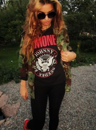 t-shirt red shirt hipster camouflage dope swag cute retro leggings cardigan sweater red t-shirt amazing jacket