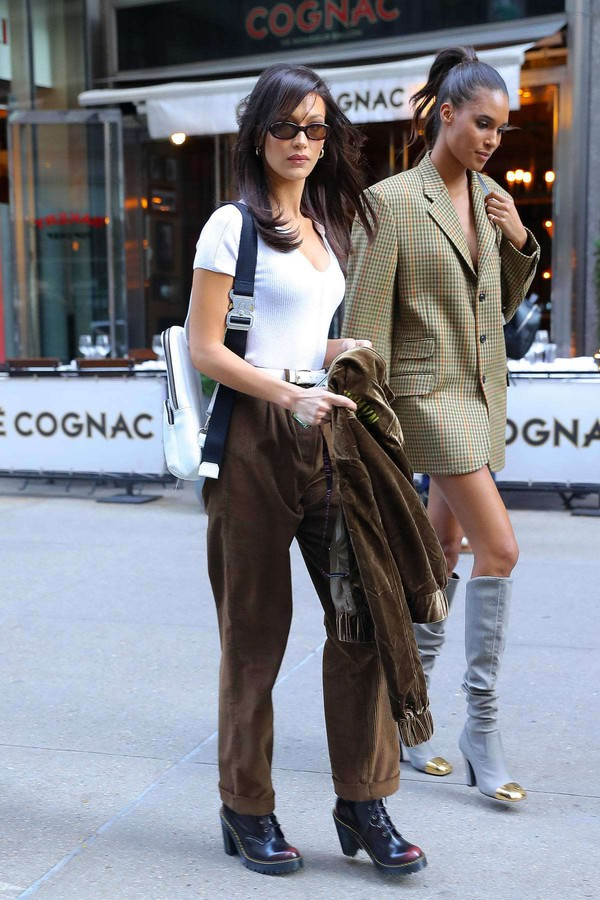 pants top bella hadid model off-duty fall outfits celebrity