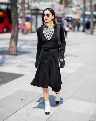 skirt black skirt midi skirt top black top scarf boots sunglasses pleated skirt pleated