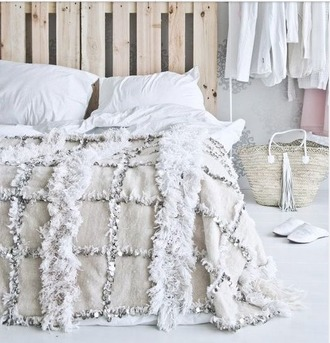 home accessory bedspread comfitor bedspread bedcover boho bedding boho bedspread free people anthropologie white fluffy squares bedding classy